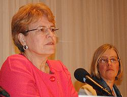 NOAA Administrator Dr. Jane Lubchenco, left, and report co-author WRI's Lauretta Burke at the launch event in Washington, DC.